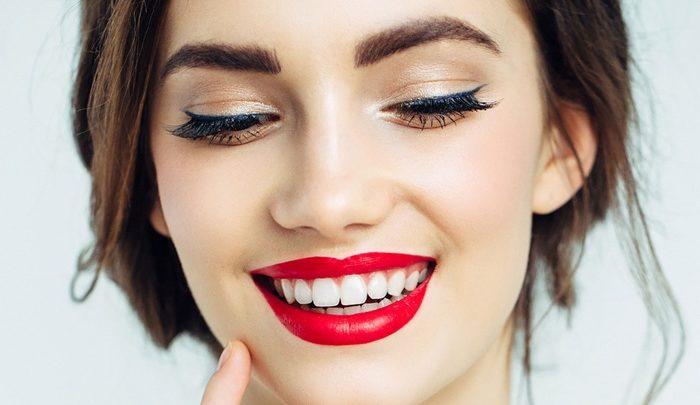 Za co kochamy opcję makijażu permanentnego ust?