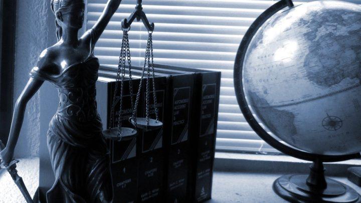 Słów kilka o adwokatach