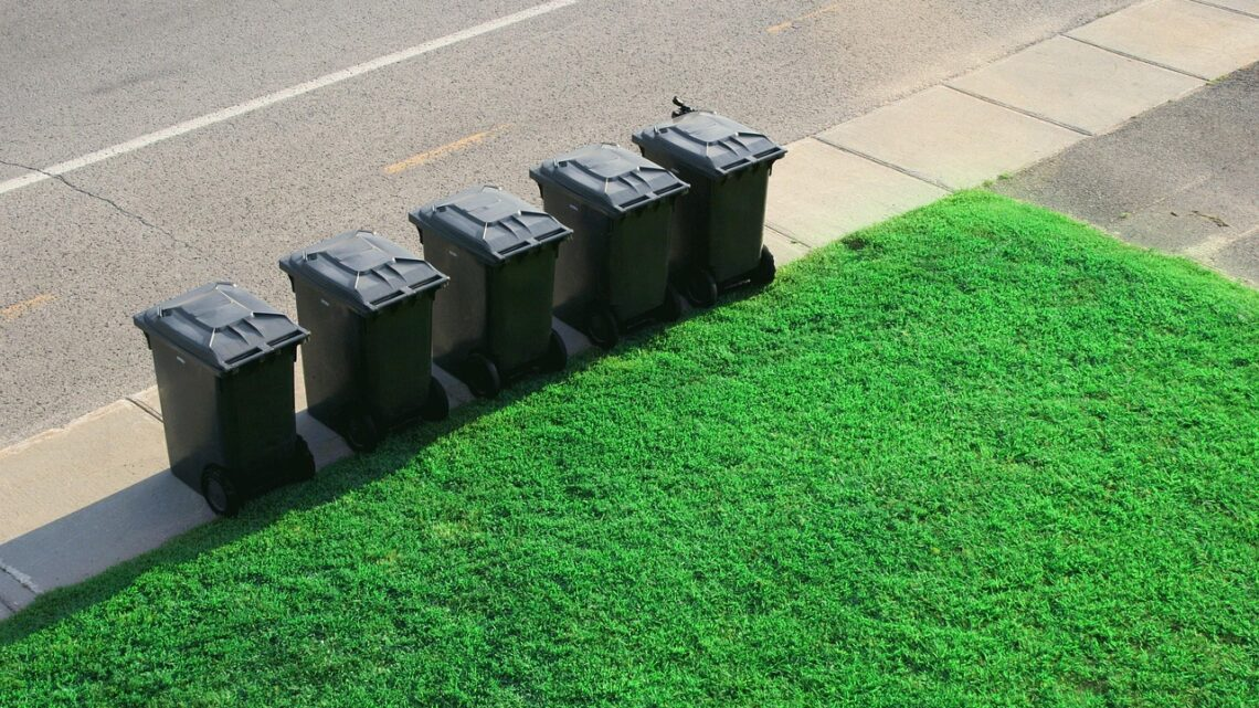 Komu warto powierzyć sprzątanie terenu zewnętrznego na osiedlu?